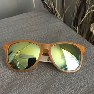 Accessories - Orange sunglasses